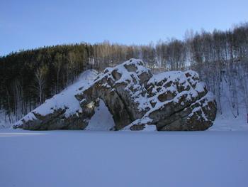 Скала Каменные ворота зимой